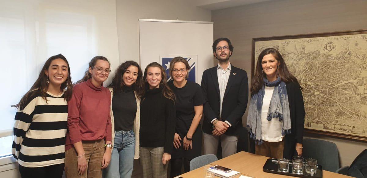 Colegialas del Colegio Mayor Alcor dialogan con miembros de la ONU